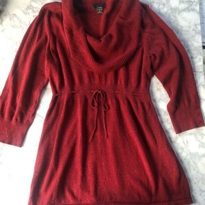 Oh Baby By Motherhood. Cowl Neck tunic sweater.